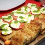 Focaccia di patate pesto mozzarella e pomodori - Madalina Pometescu - Ricette dolci e salate-11