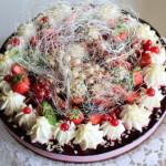 Torta allo yogurt e frutti di bosco - Madalina Pometescu - Ricette dolci e salate