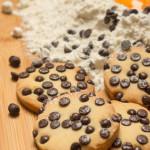 Biscotti con gocce di cioccolato - Madalina Pometescu - Ricette dolci e salate-2