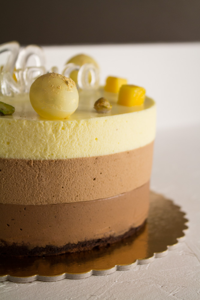 Torta mousse ai 3 cioccolati e spezie