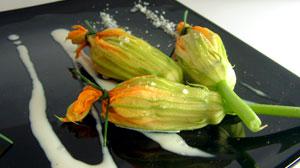 Fiori di zucca light con cestino di parmigiano