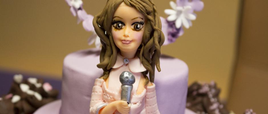 Torta romantica di cup cakes